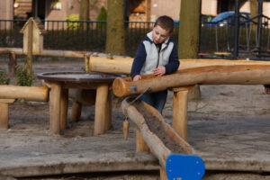 Groen speelplein basisschool De Kosmos Apeldoorn